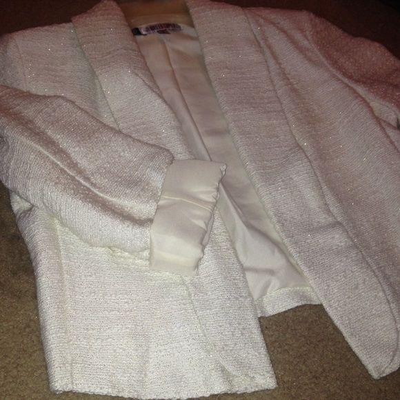 White blazer Brand new, never worn. Jennifer Lopez Jackets & Coats Blazers