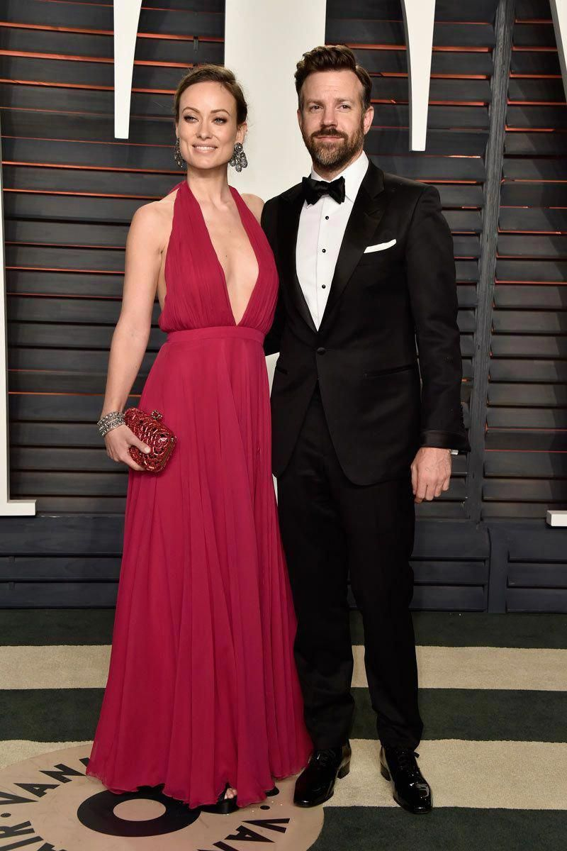 Jason Sudeikis and Olivia Wilde in a Prabal Gurung dress, Roger Vivier  clutch and Neil Lane jewels  RogerVivier f5bc379b7b
