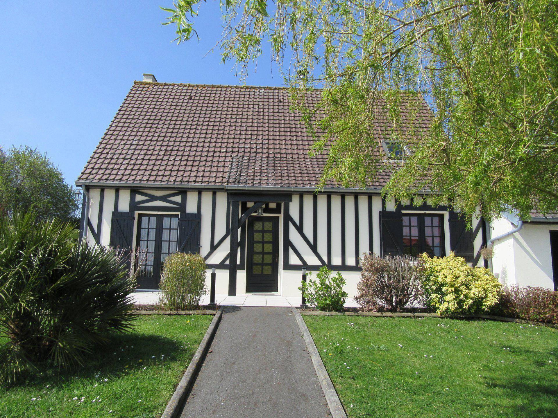 Tres belle maison de 120 m style normand rdc grand s jour avec chemin e po le bois - Tres belle cuisine equipee ...