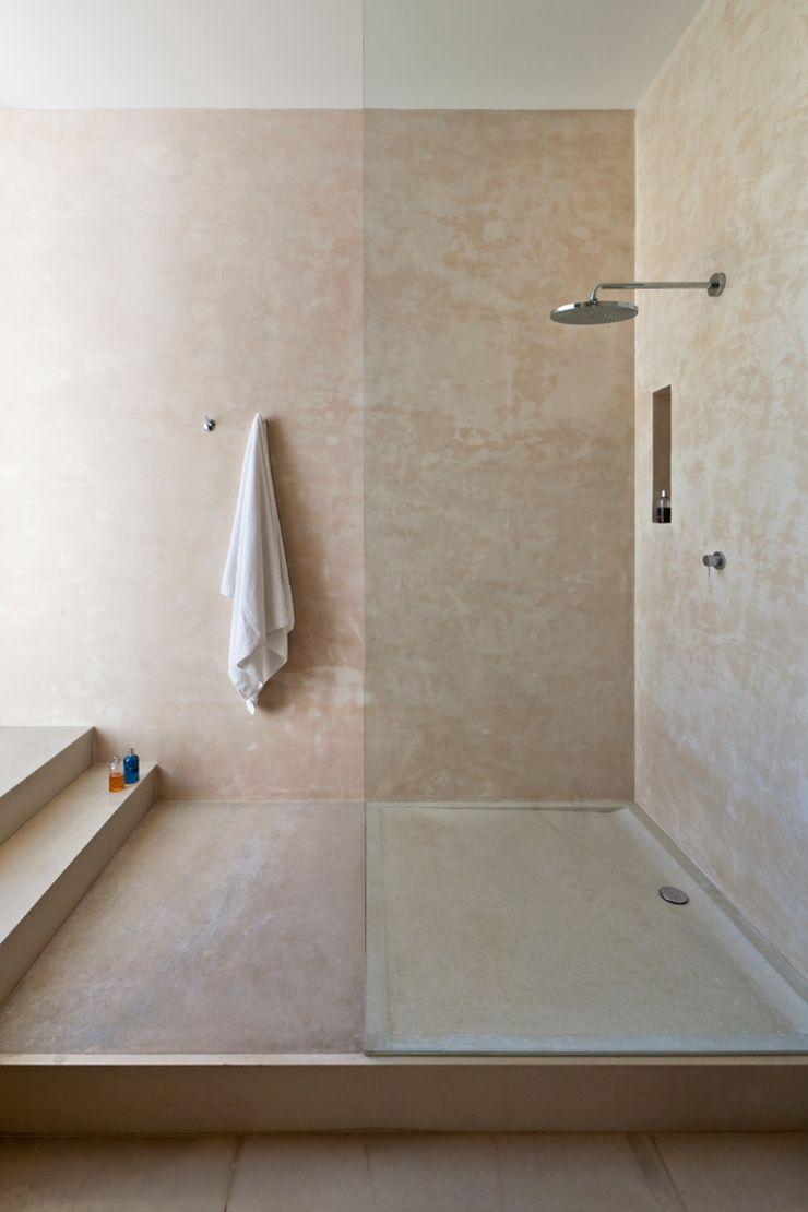maison m diterran enne aux influences originales ibiza cabine de douche cabine et douches. Black Bedroom Furniture Sets. Home Design Ideas