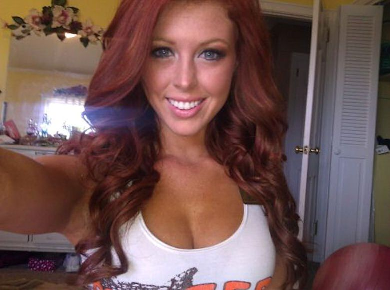 Hooters real redhead