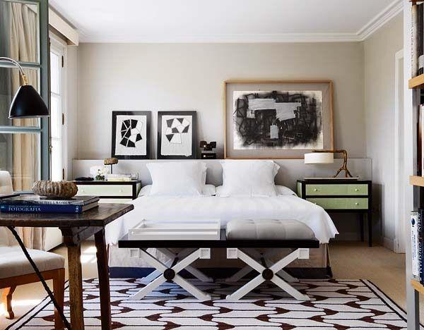 nuevo estilo thomas urquijo, Love the furniture and art shelf above the bed