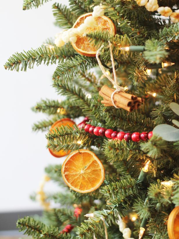 1 Christmas Tree, 6 Different Ways -   17 christmas tree inspiration simple ideas