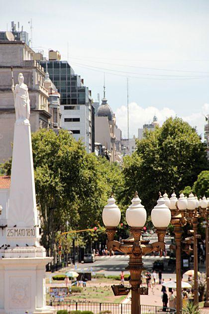 """"""""""" La Piramide De Mayo""""""""Plaza de  Mayo desde Casa de Gobierno, Buenos Aires, Argentina"""