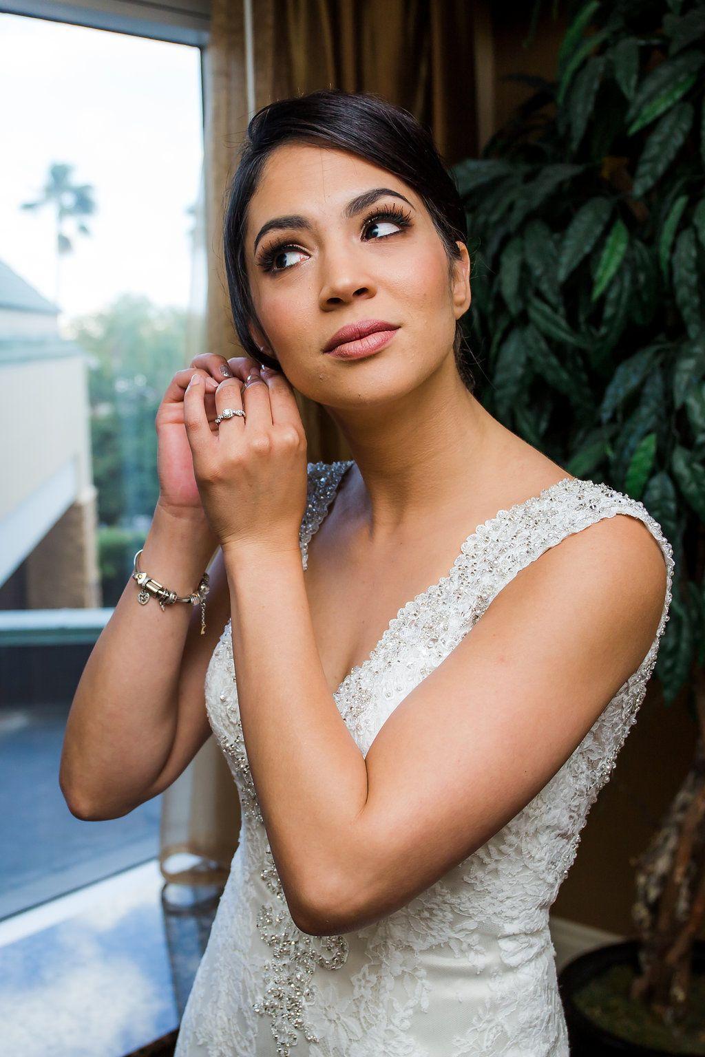 Dramatic Make Up Bridal Hair And Makeup Wedding Hairstyles Wedding Hair And Makeup