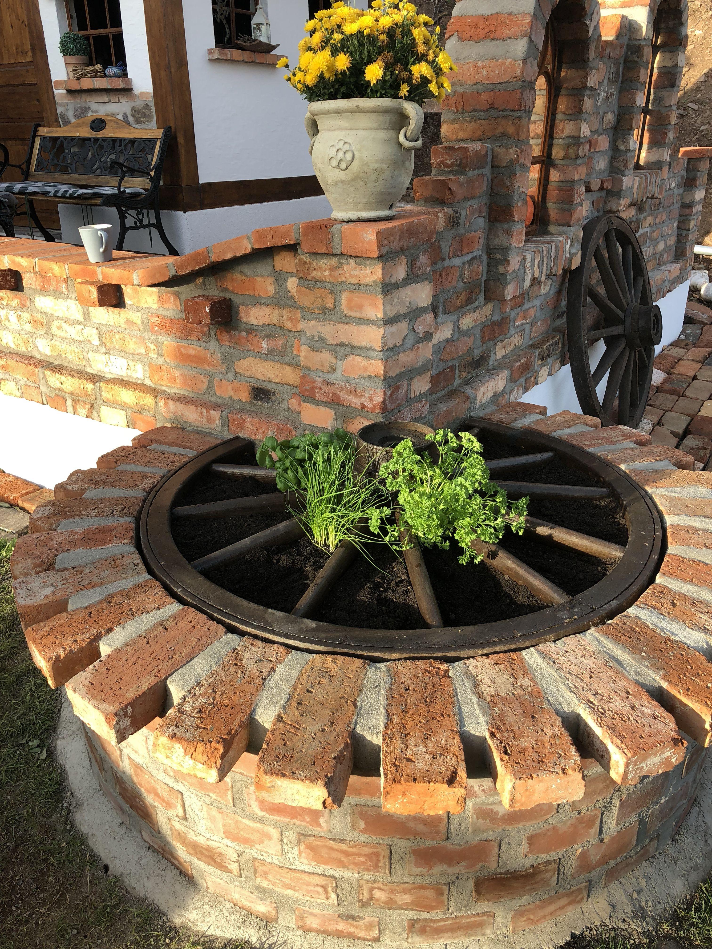 pin von katar na mal auf z hrada garden design garden. Black Bedroom Furniture Sets. Home Design Ideas