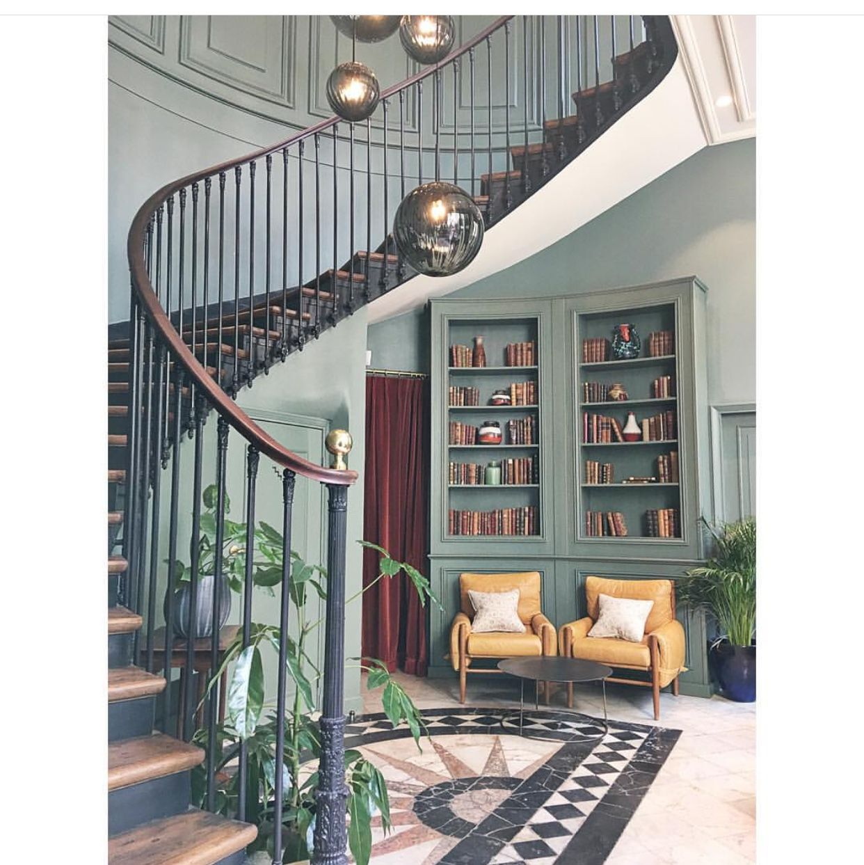 Staircase Hotel hoxton, Paris hotels, Hotel
