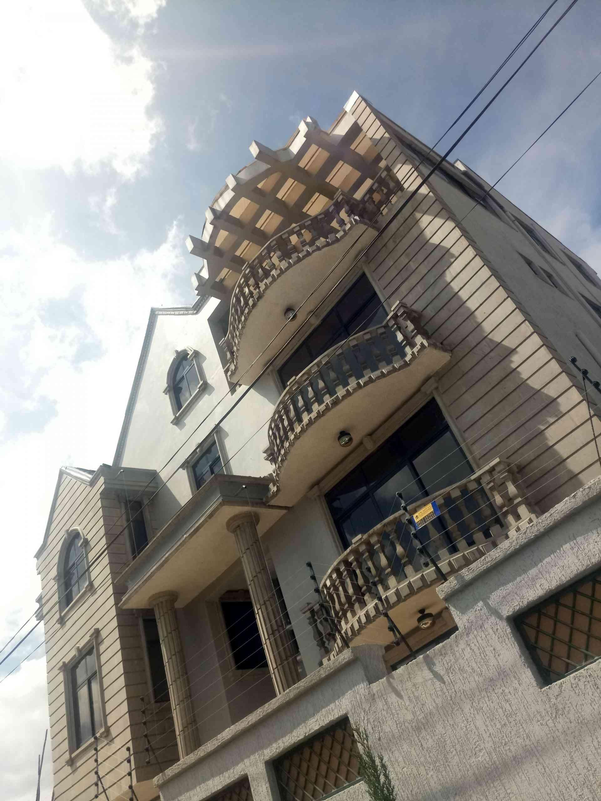 Photo of Brand New Ground Plus drei neue Haus zum Verkauf, gelegen in einem beliebten und Ce …