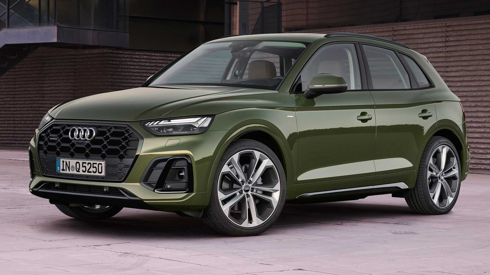 2021 Yilina Yeni Makyajiyla Girmeye Hazirlanan Audi Q5 Dunyada Bir Ilki De Beraberinde Getirdi Yeni Yuzuyle Audi Q5 Detayla Audi Araba Motosikletler Otomobil