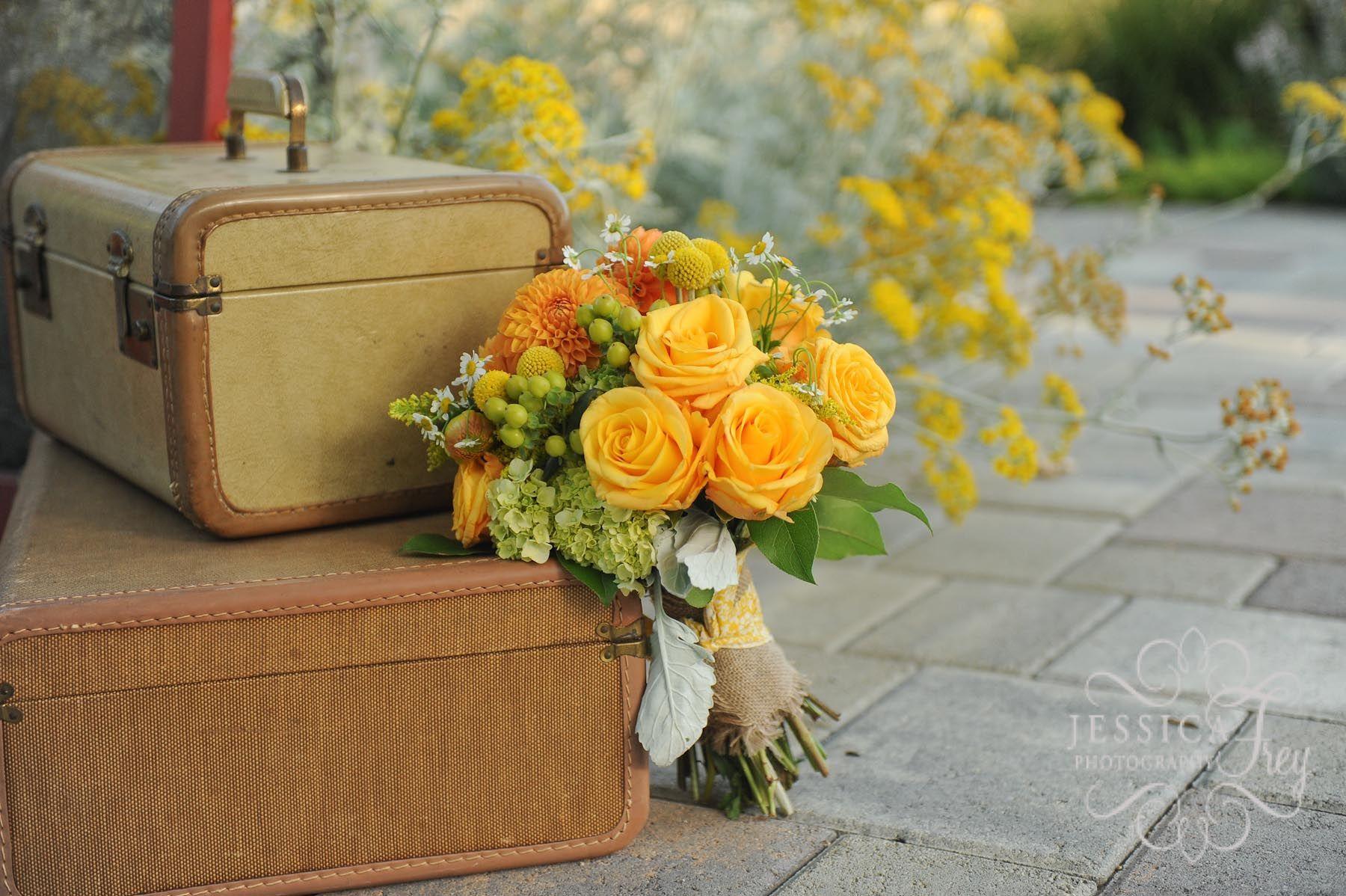 Resultados da pesquisa de http://www.jessicafreyphotographyblog.com/wp-content/uploads/2012/08/yellow-grey-green-wedding-35.jpg no Google