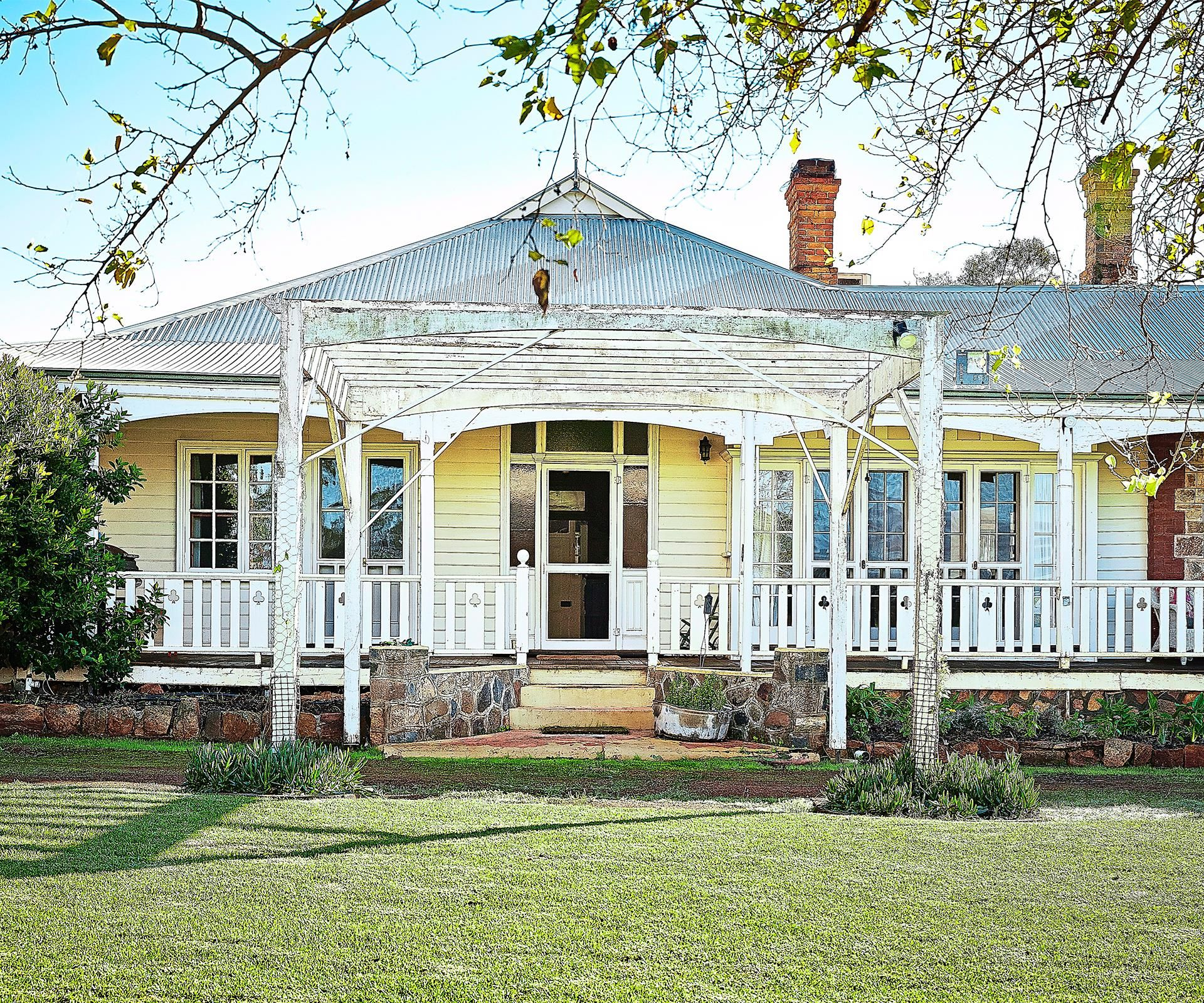 Pergola Designs Costs: Tips For Buying A House To Renovate