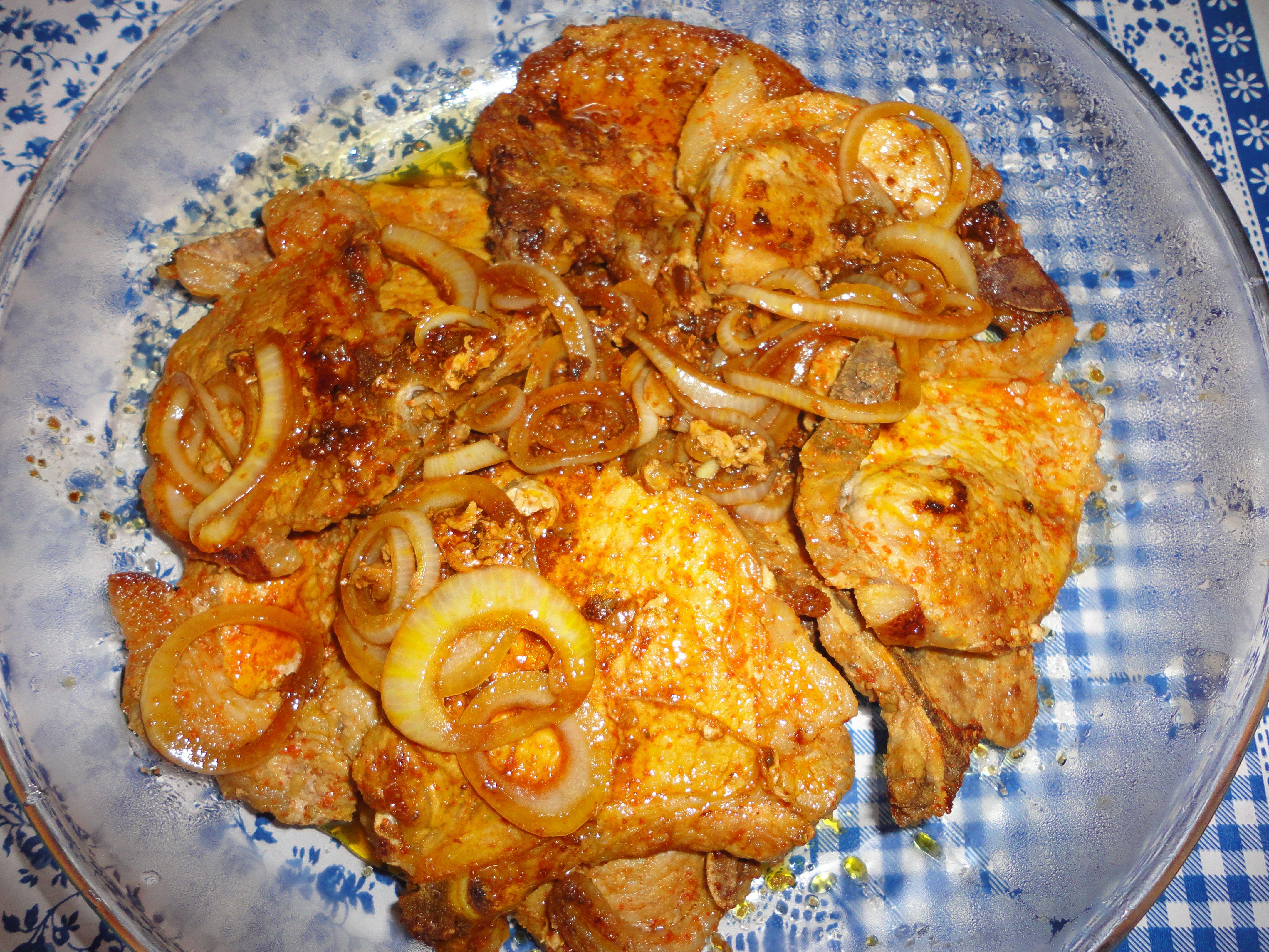 Costela de porco com mostarda,shoyu e cebolas