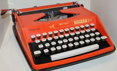 Vintage Remington Riviera Typewriter by Sperry Rand 1950s
