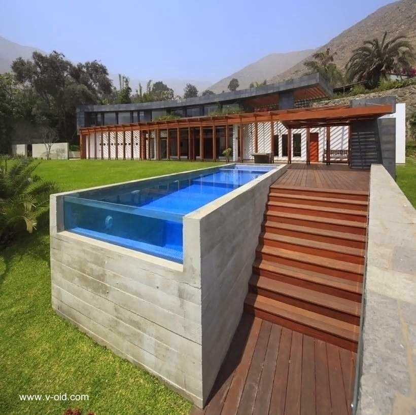 residencia construida en terrazas de pendiente
