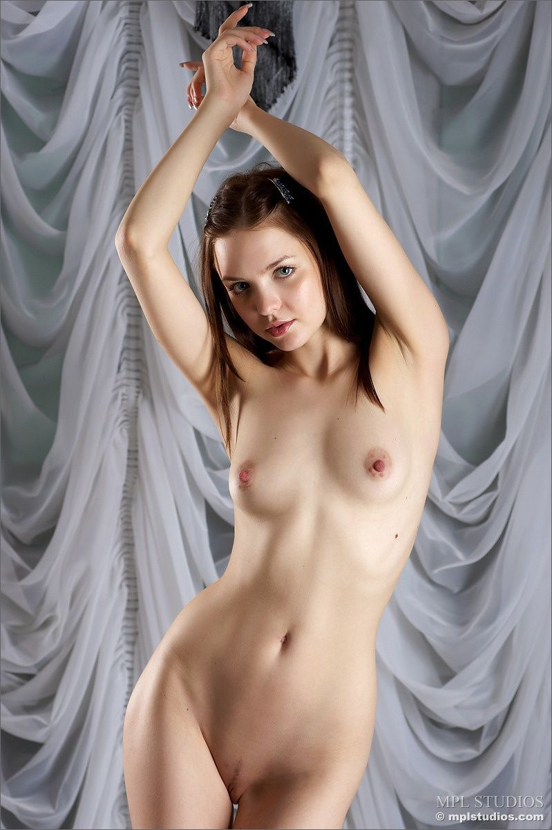nude-amelie