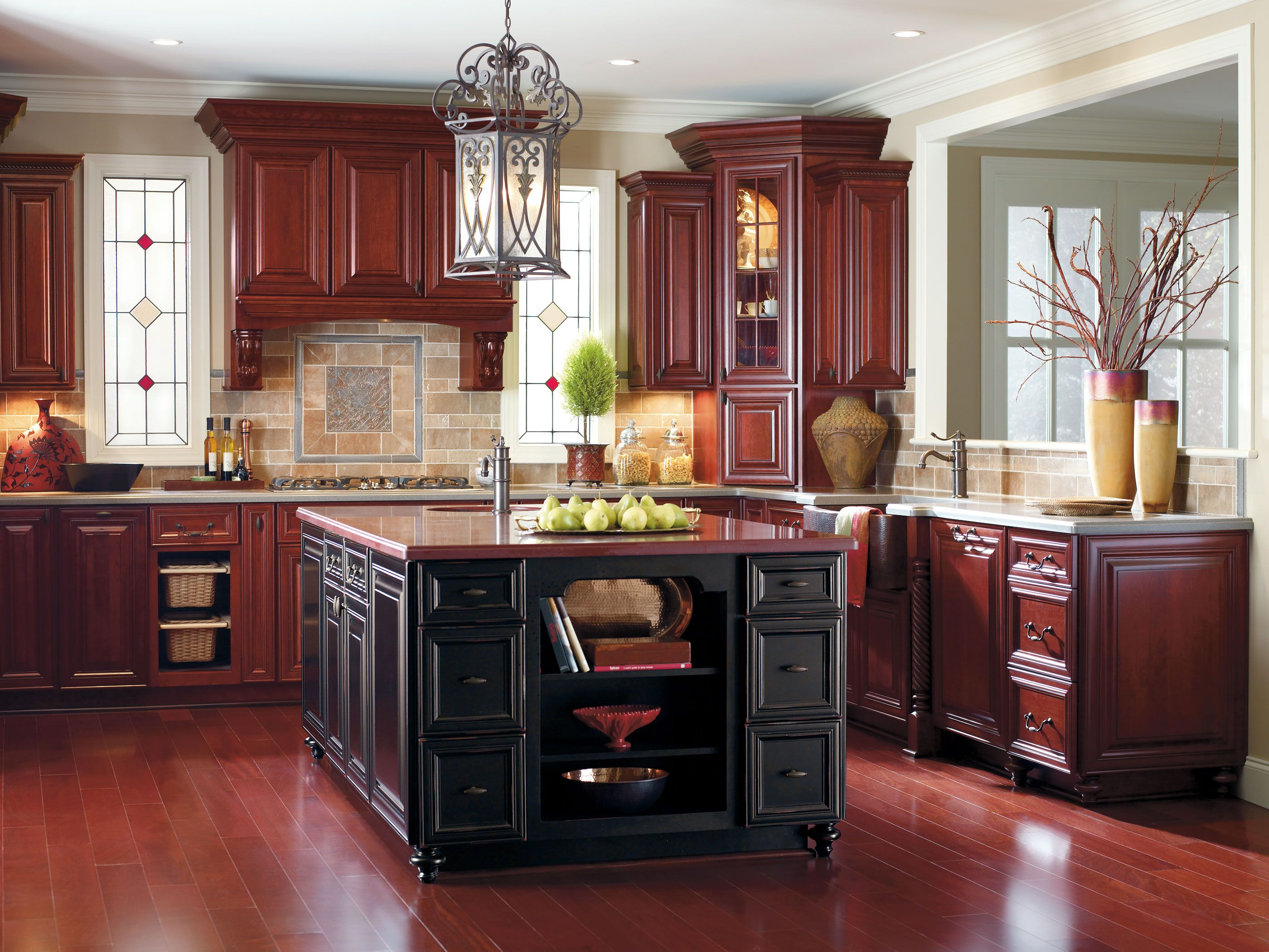 This Warm Traditional Look Is Perfectly Complemented With Just A