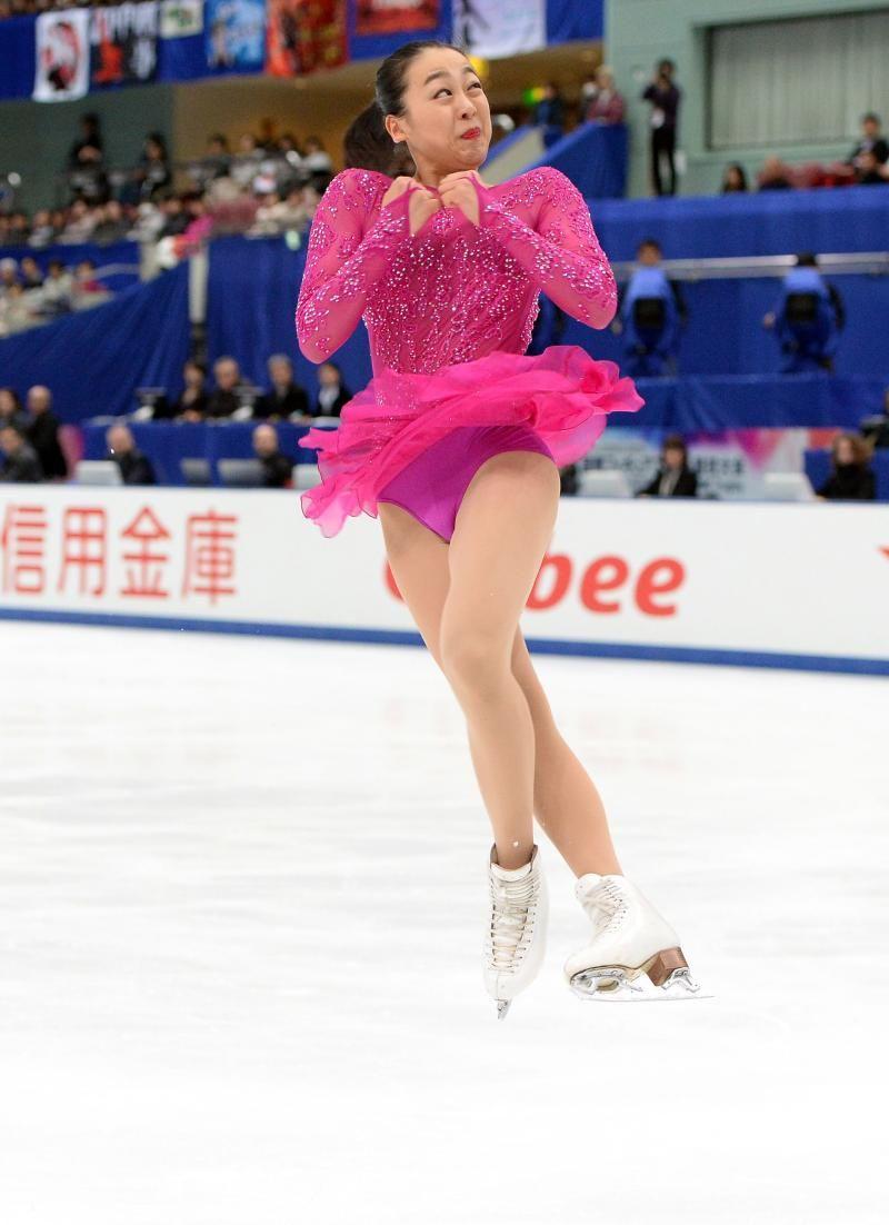 コンビネーションジャンプで3回転フリップを跳ぶ浅田 (800×1102) http://www.nikkansports.com/sports/figure/asada-mao/photo/article/1572236.html