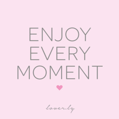 Loverlyweddings Time Flies When You Re Having Fun Remember To Stop And Cherish The Little Moments On Your Wedding Day Via Loverly