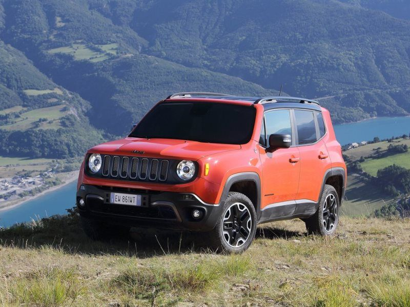 10 Of The Most Economical Suvs For Cost Conscious Customers Autobytel Com Compact Suv 2015 Jeep Renegade Jeep Renegade