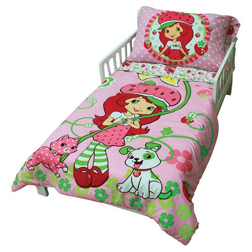 . Strawberry Shortcake Toddler Bedding Set  45223 311 TDLR STRA