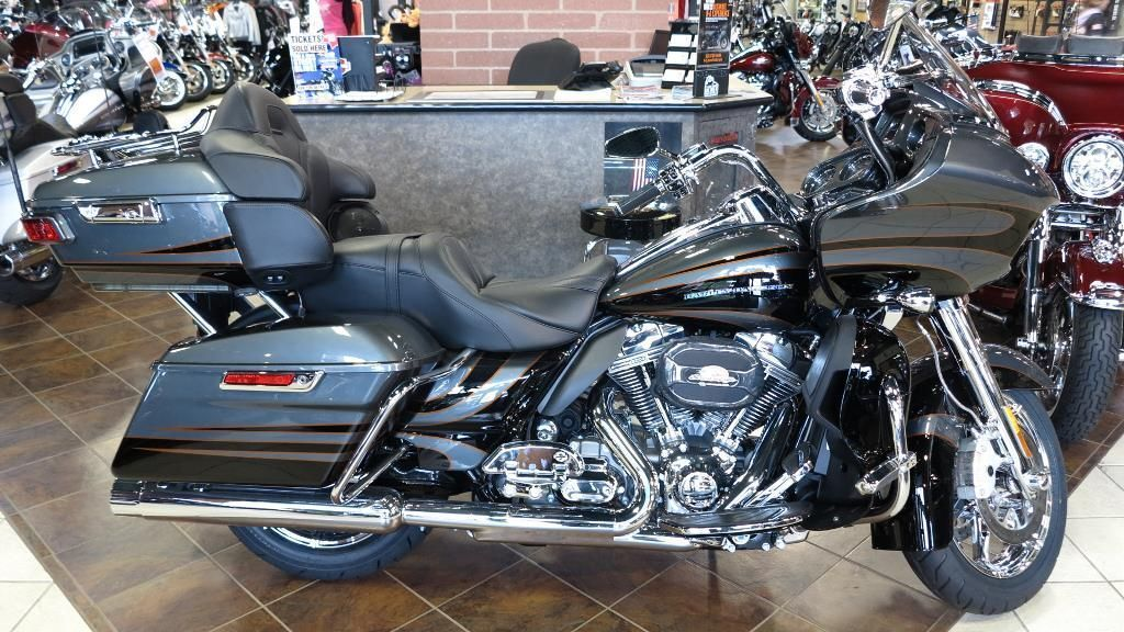 Specifications for the 2016 HarleyDavidson CVO™ Road