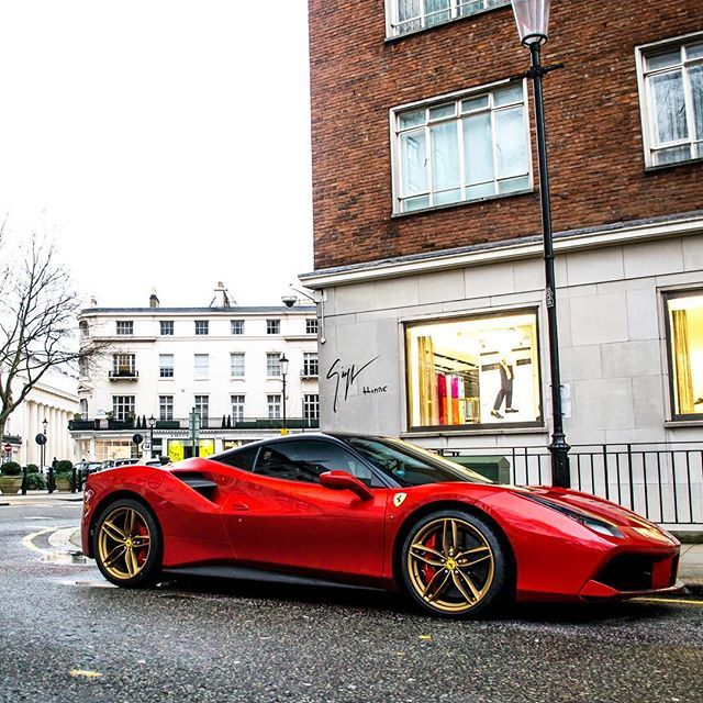 Ferrari 488gtb Gold Italian Beautiful Beauty Love Supercar Exoticcar Car Cargram Picoftheday Carinstagram Instagood Motivation Perfo Voiture