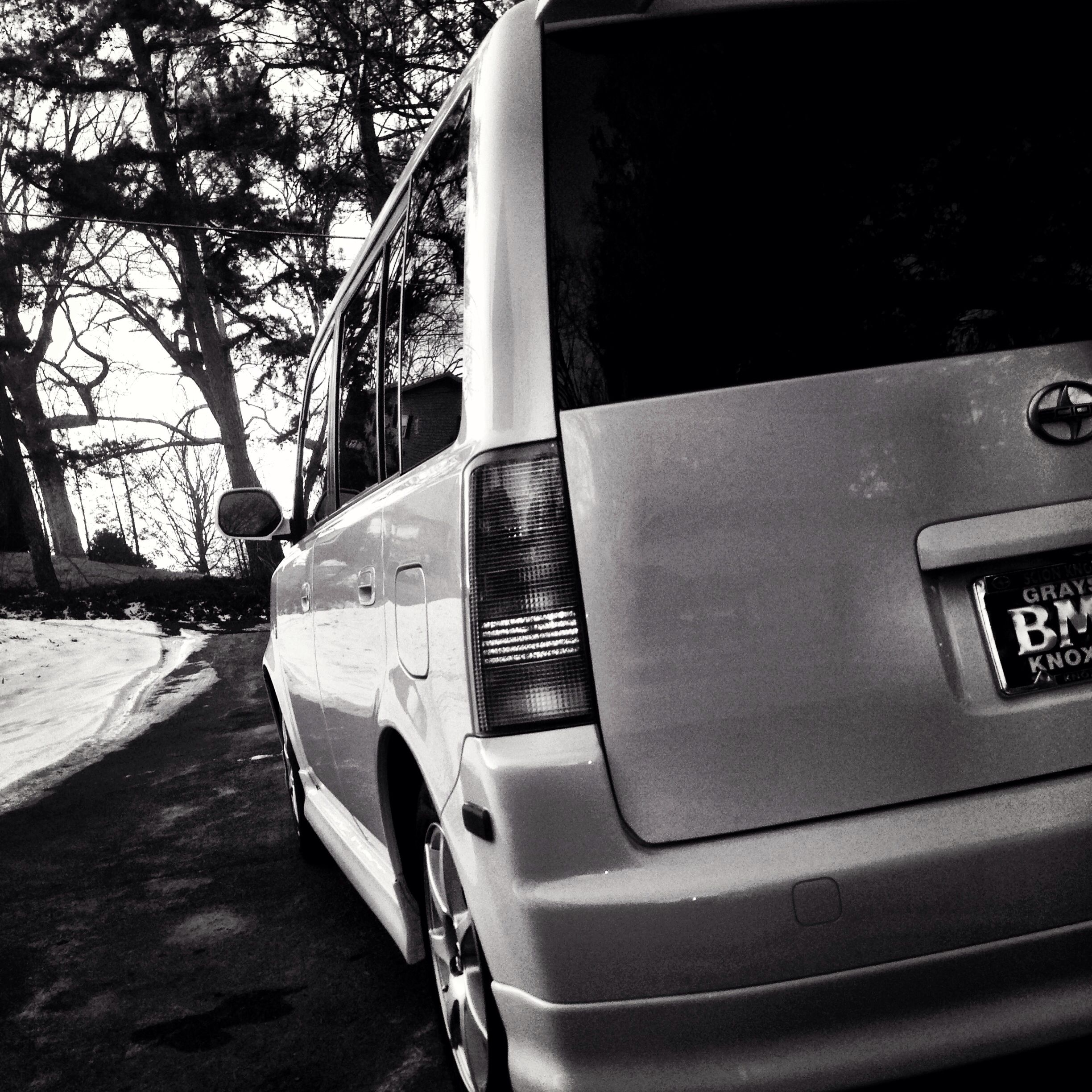 Scion xb 2006 polarwhite snow dope cars