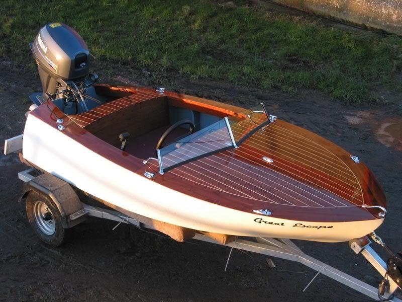 Glen L Pee Wee - CUTE | Mini Boat | Wooden boats, Boat, Chris craft boats