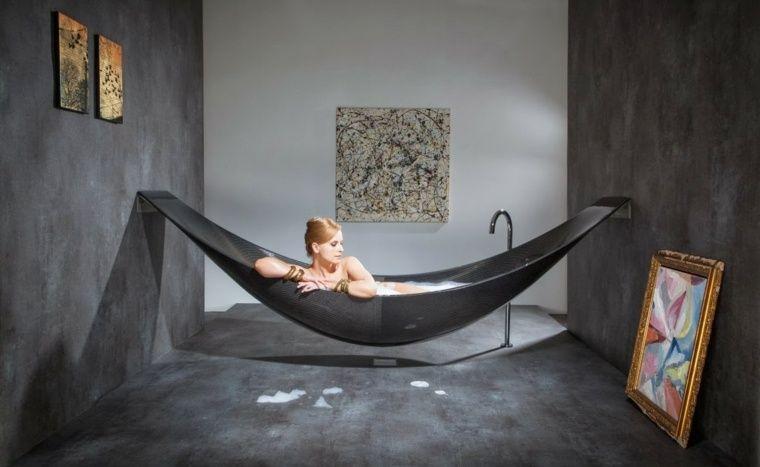 salle de bain tendance en noir