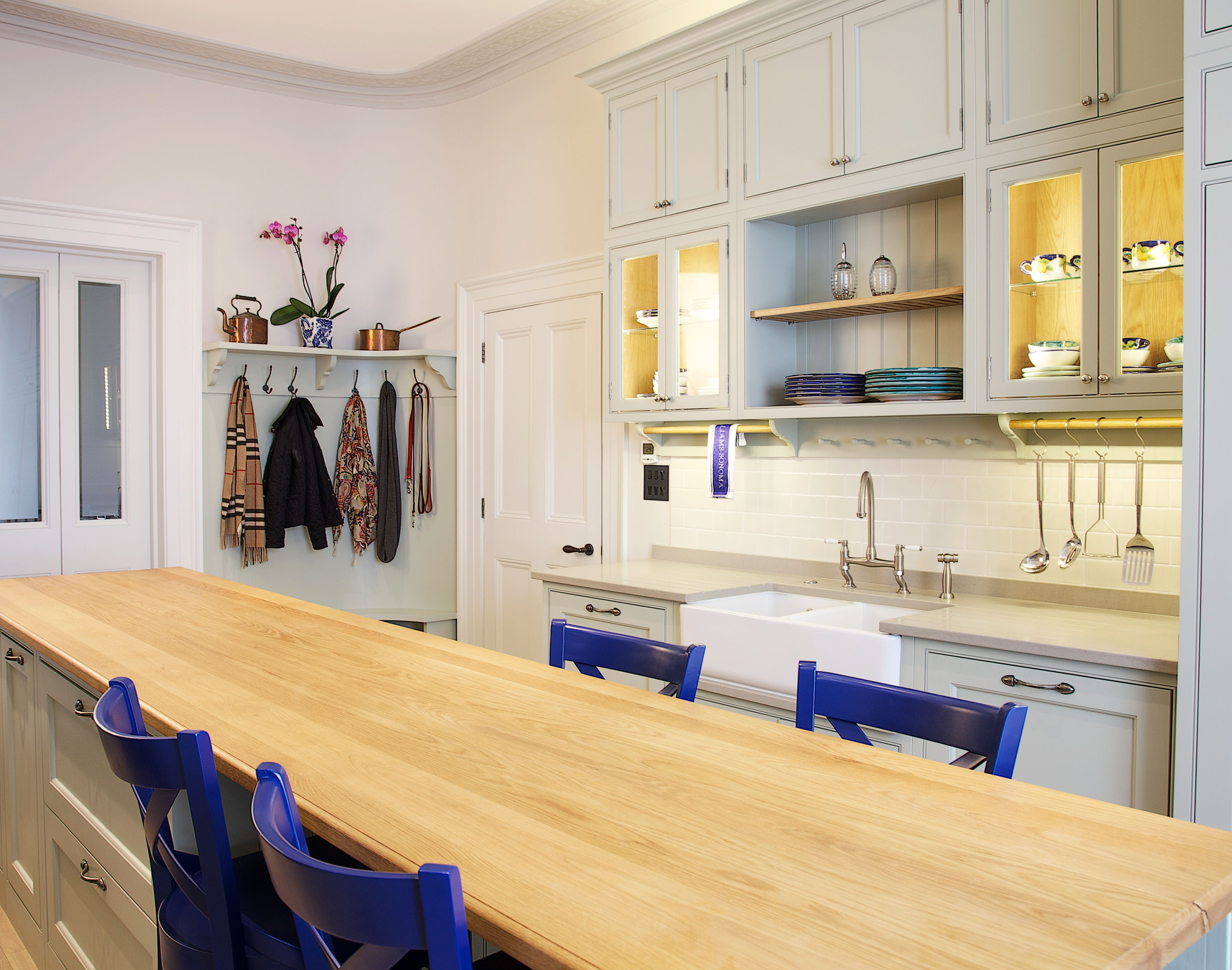 Charlie Kingham No. 32 Kitchen | Bespoke  Shaker Style Cabinets and traditional Kitchens and Interior Design Ideas. AGA Range Cooker, Hand painted Cupboards and Solid Oak Island and Stools