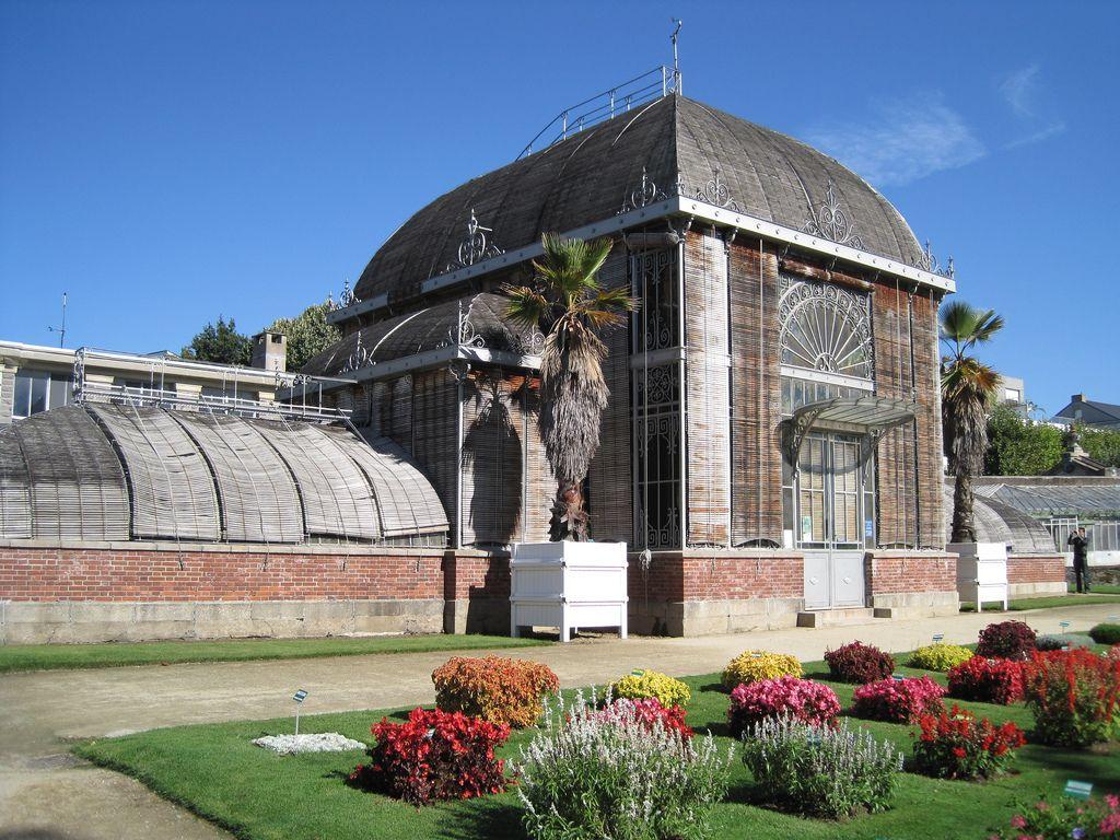 Jardin des Plantes de Nantes - Vue extérieure du palmarium | Pools ...