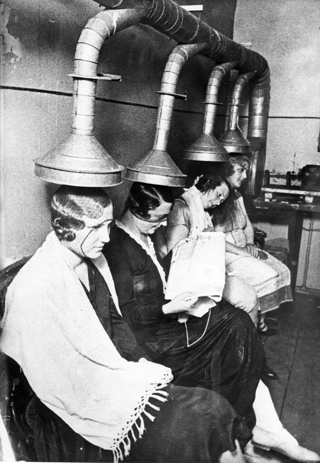 Vintage Beauty Salons Hilarious Photos Of The Early Hair