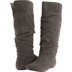 i know i live in texas... but i still want boots. I call these Bui boots :) cause tiff looks so stylish when she wears hers :)