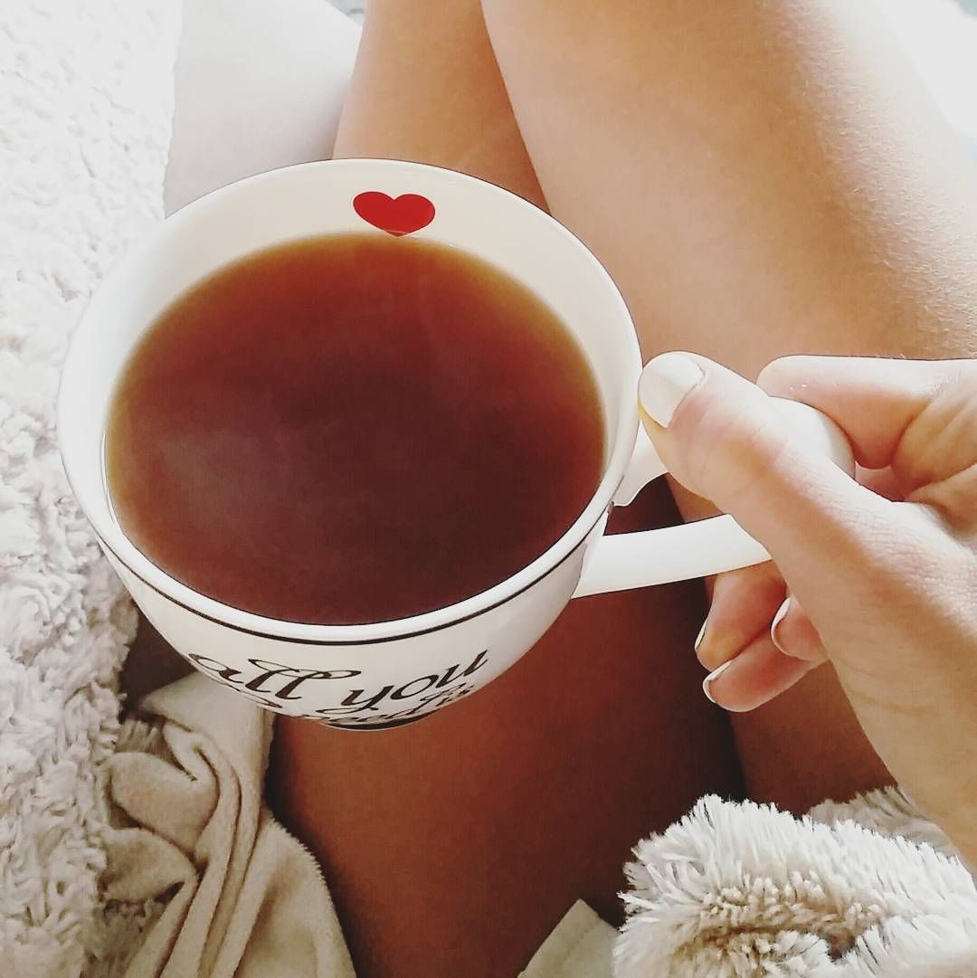 """All you need is love"" and a nice hot tea for a cold monday morning  #coldsnap #floridaweather #hottea #cafejulie #teavana #drinkingtea #chocolatepeppermint #tea #floridawinter #sweaterweather #lovethisweather #fuzzypillow #fuzzyblanket #warmup #monday #mondaymorning #onthecouch #heart #coffee #latte #snowflake #allyouneedislove #love #home #holiday #holidayseason #florida by julieannefrenchfry"
