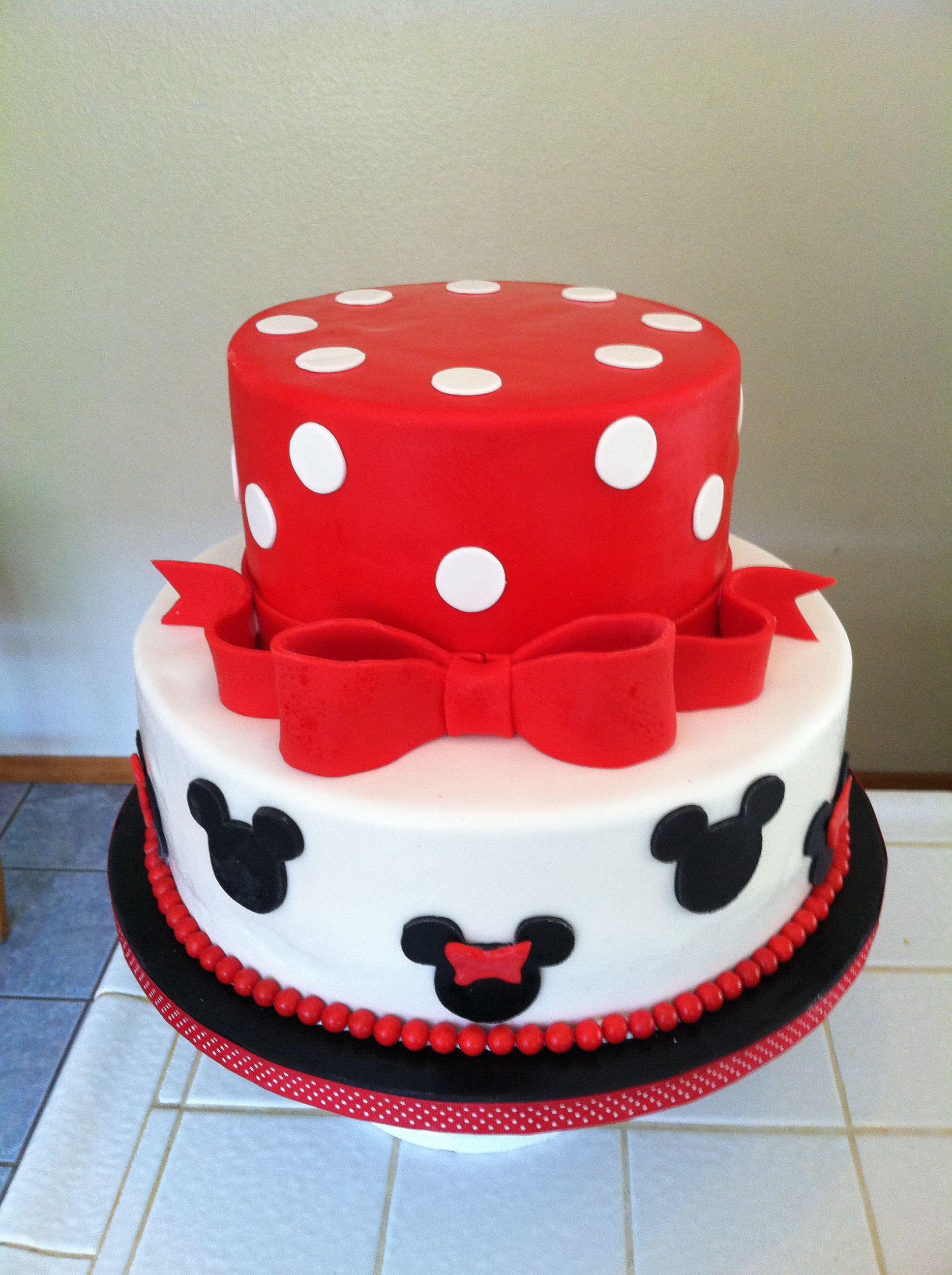 Mickey n Minnie cake