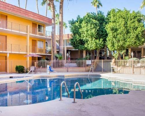 Ramada Tempe Near Asu Tempe Arizona This Scottsdale Hotel Is One Mile From Arizona State University H Scottsdale Hotels Outdoor Swimming Pool Swimming Pools