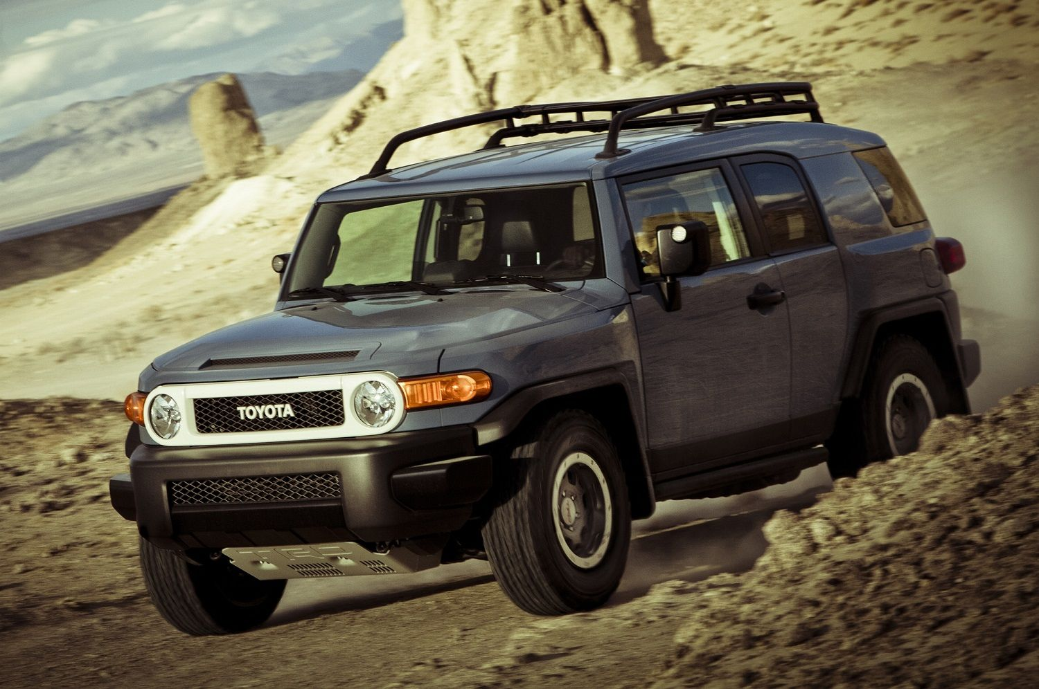 Used Toyota For Sale >> Toyota Fj Cruiser Suvs For Sale Get Great Prices On Toyota Fj