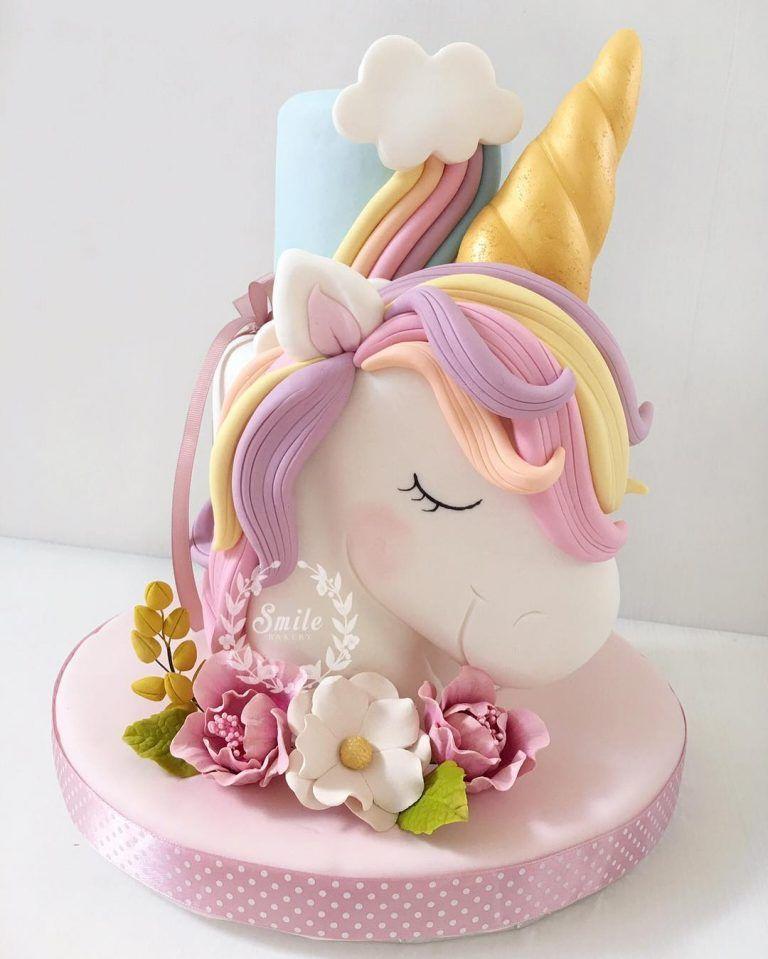 unicorn cake design icing 2 Best Instagram Unicorn Cakes and Party Decor Ideas