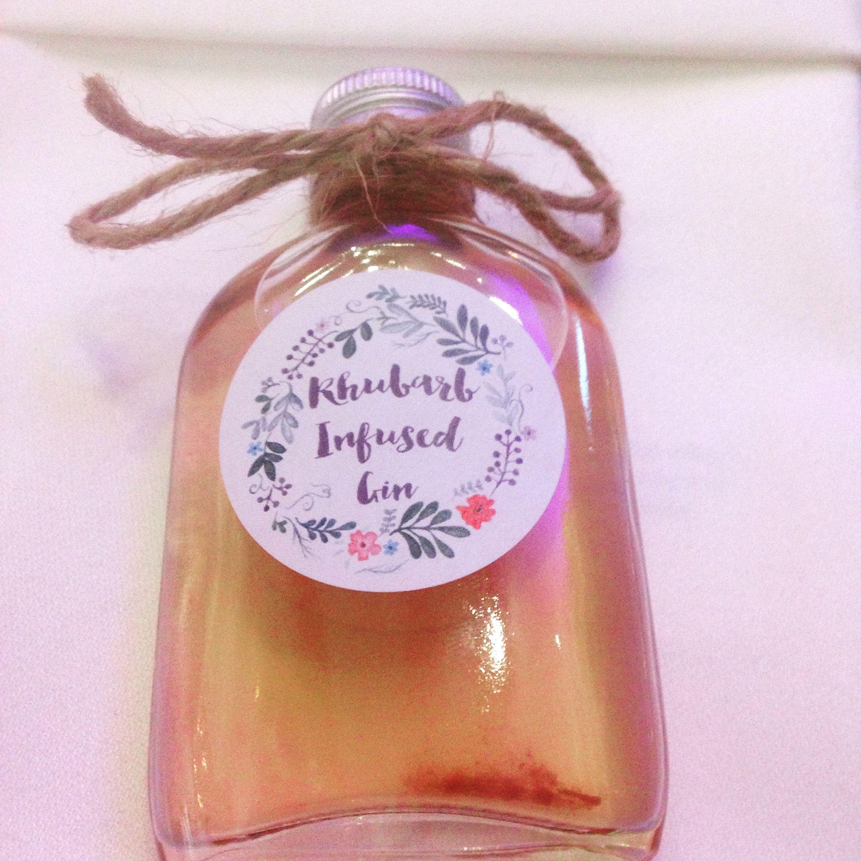 Super cute wedding favour - rhubarb infused gin #weddingfavours ...