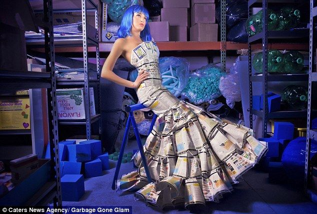 Fashion Designer Turns Everyday Rubbish Into Stylish Outfits Head Turning Dress How To Make Clothes Fashion