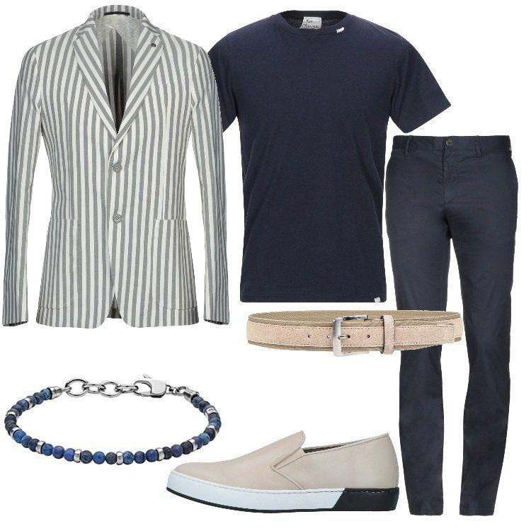 Giacca A Righe In Cotone Abbinata A T Shirt Blu Pantalone Blu