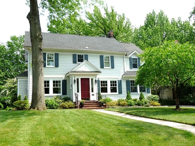 Westfield Nj Classic Center Hall Colonial Colonial House Exteriors Exterior House Doors Front Porch Design