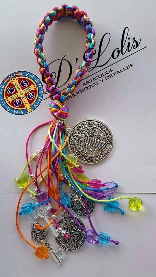 e516cfa4a203 Bendiciones San Benito Llaveros Con Cintas