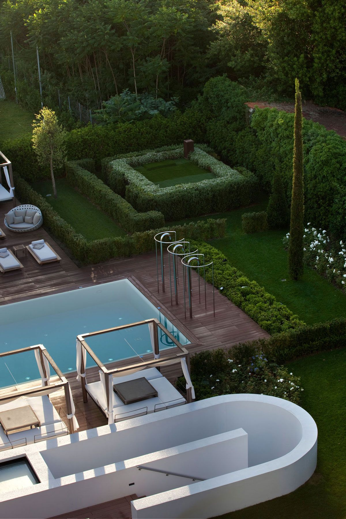 Hotels & Resort, Exquisite Five Star Hotel Principe Forte Dei Marmi In  Italy Featuring Exterior Design With Outdoor Pool Landscaping Plus Garden,  ... - 5 Star Hotel Principe Forte Dei Marmi (11) Paisaje + Pinterest