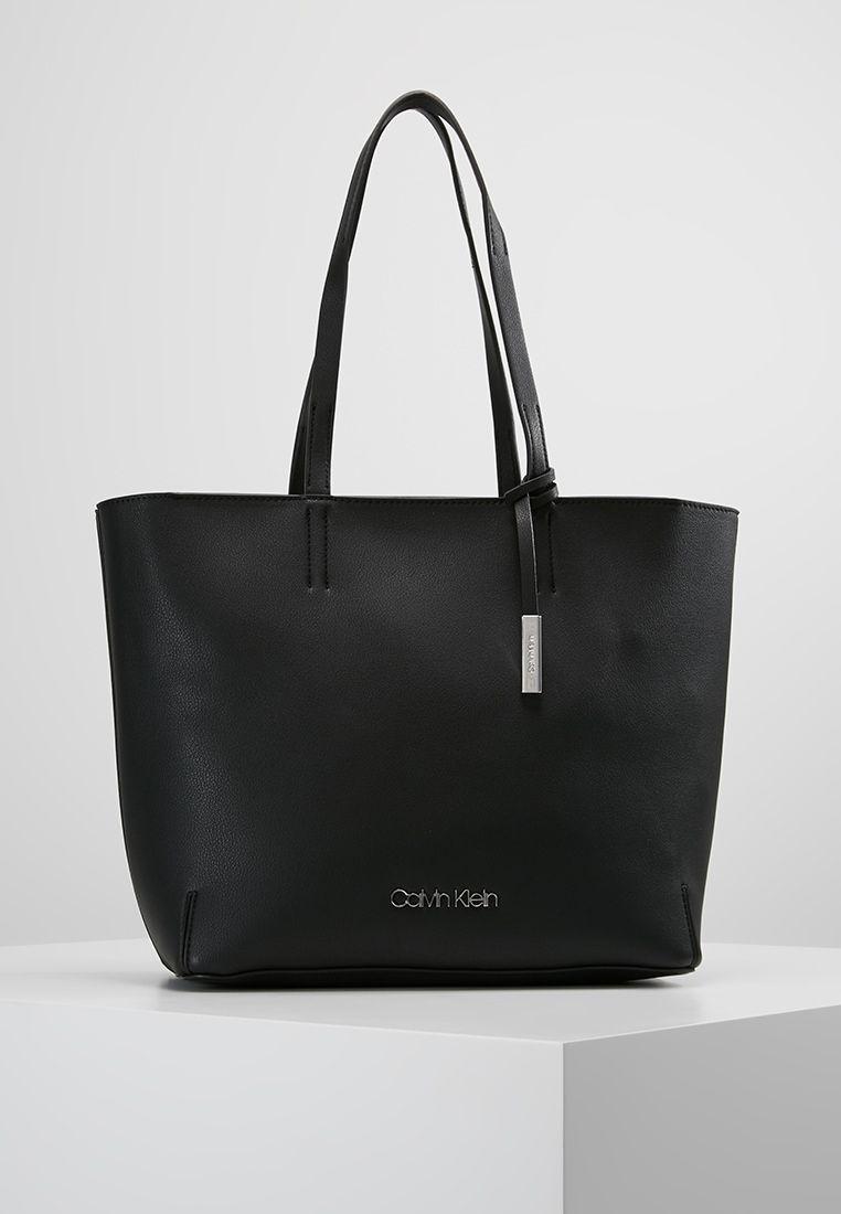 Calvin Klein Stitch Shopper Handtasche Black Zalando De Calvin Klein Handtasche Calvin Klein Taschen Handtaschen