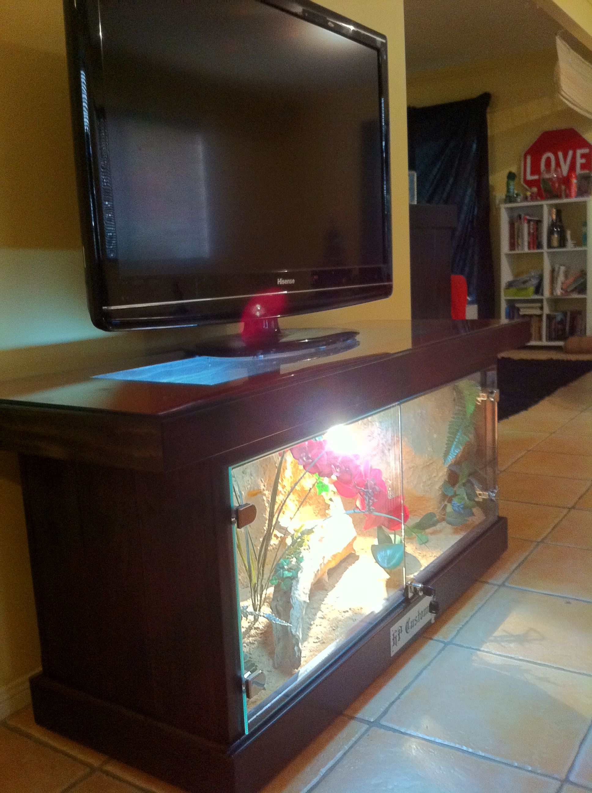 This is a COFFEE TABLE REPTILE ENCLOSURE fully custom with top