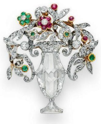 DIAMOND, EMERALD & RUBY BROOCH!  (1910) CHRISTIE'S
