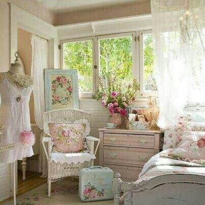 Shabby Chic. Pretty teenage girl bedroom. White and pastel colours