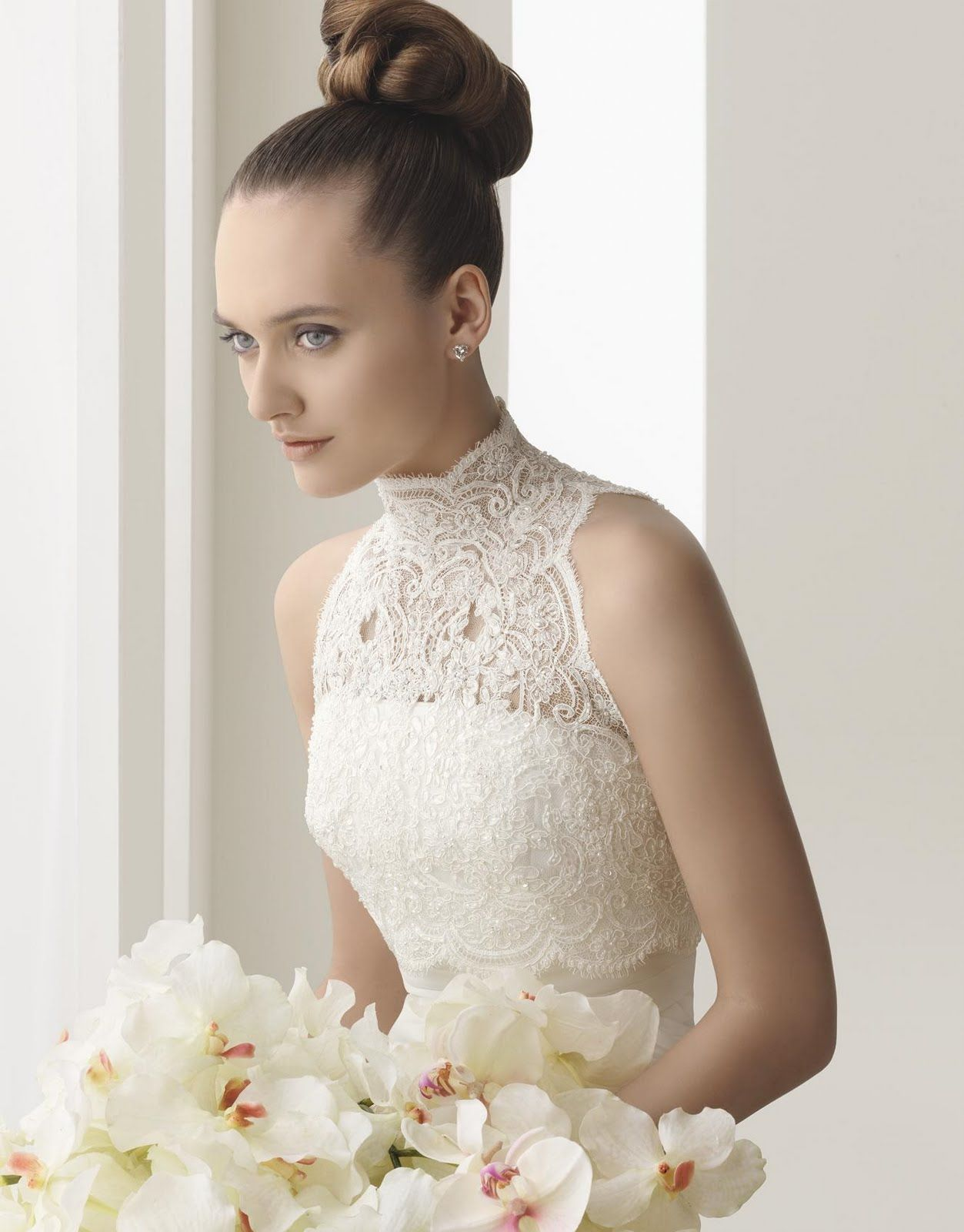 Iuve always thought lace collars on wedding dresses were magnificent