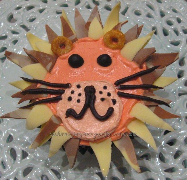Lion cupcakes.